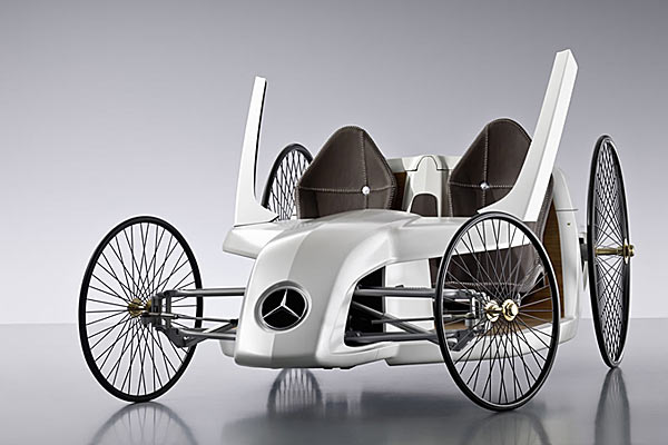 Mercedes Benz F-CELL Roadster.