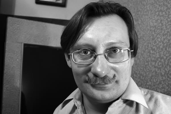 Игорь Свеженцев