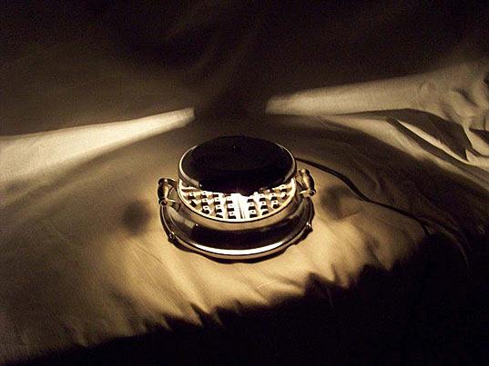 Ночной светильник из старой вафельницы