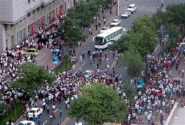Массовые беспорядки уйгуров в Китае.