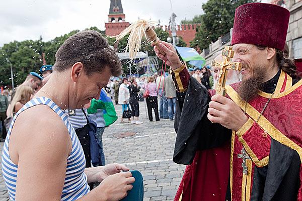 Православная Церковь стремится окормлять своих чад в любых ситуациях.