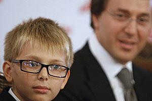 Дени — сын Орбакайте и Байсарова