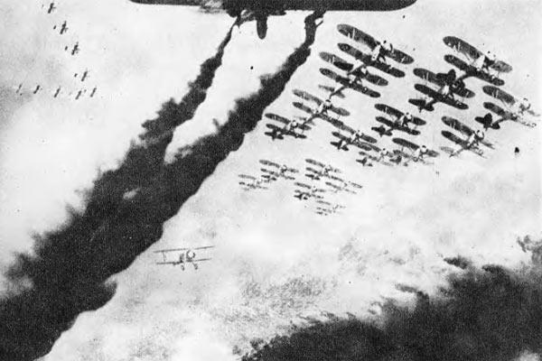 Так допечатывали нужное количество наших самолетов в фотографии в газетах