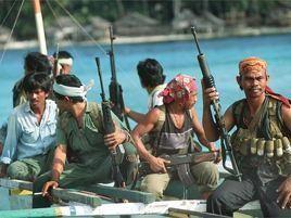 Снова пираты напали на судно