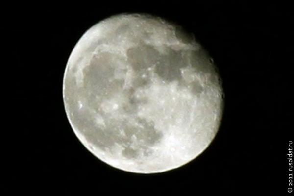 Луна от 21 марта 2011 года. Не суперлуние, но оччень даже ничего!