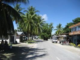 Общая протяженность дорог в Тувалу составляет всего 8 километров.