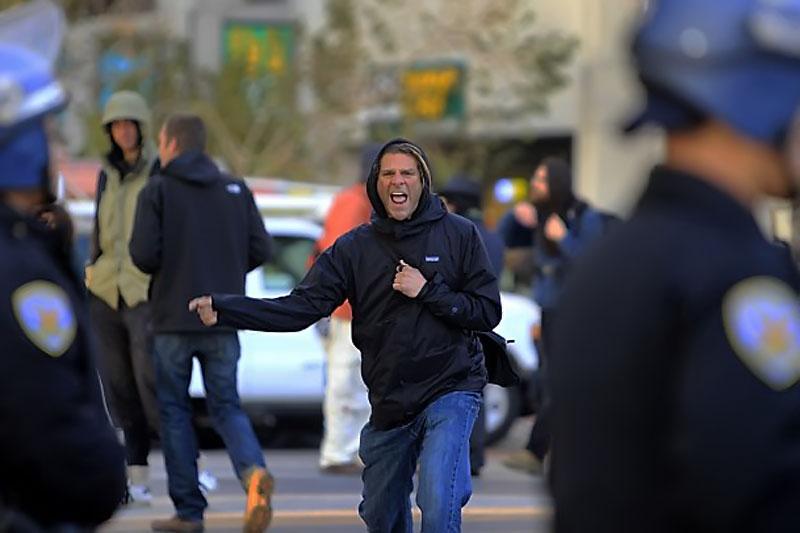 Палаточный лагерь движения «Захвати Сан-Франциско» разогнан полицией.