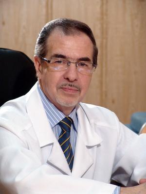 Малькевич Валерий Владимирович, врач-дерматовенеролог, кандидат медицинских наук. Cтаж работы: более 30 лет.