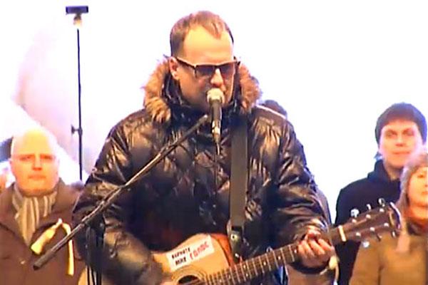 Митинг на проспекте Сахарова. Выступает Василий Шумов.