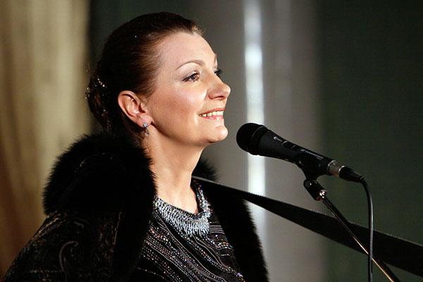 Ирина Скорик является одной из самых ярких исполнителей в жанре русского романса и духовной песни.