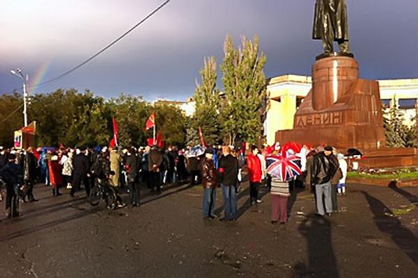 Митинг волгоградских коммунистов грозит обернуться скандалом.