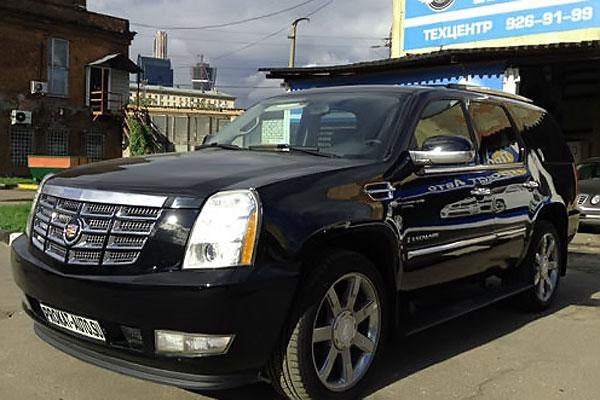 Прокат Авто: CADILLAC ESCALADE — мощный уникальный полноразмерный внедорожник класса Luxury.