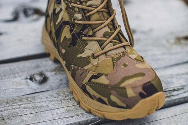 Условия эксплуатации обуви в рамках открытого чемпионата мира по страйкболу в Новгородской области будут максимально приближены к реальным боевым действиям.